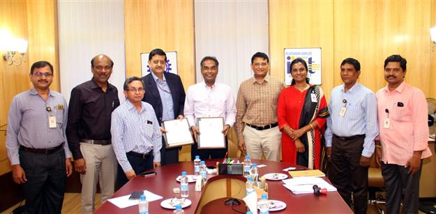 Mou signed between CRCL and IICT Photo Category